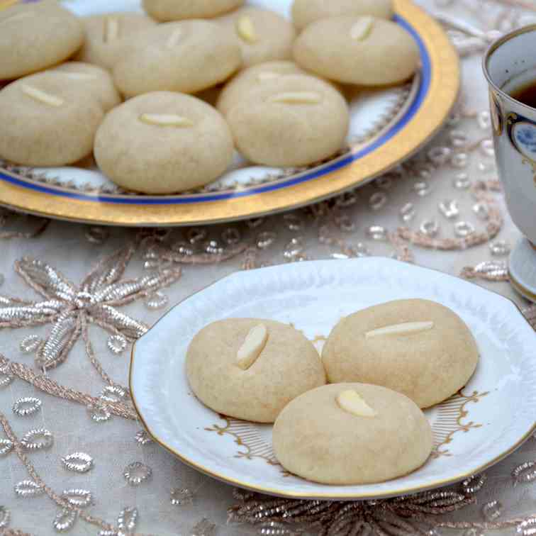 Ghraybeh [ Arabic Butter Cookies]
